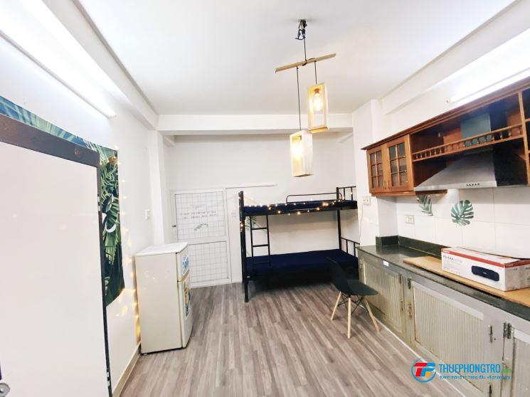 Phòng Full nội thất Có bếp Lê Văn Sỹ Q3
