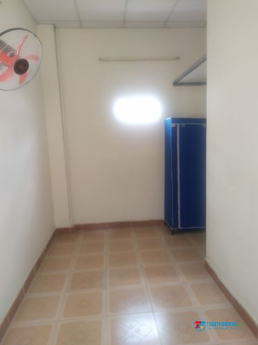 Cho thuê nhà hẻm 02 phòng ngủ (15m + 25m) + gác lửng 6m , 1 bếp , 01 tolet