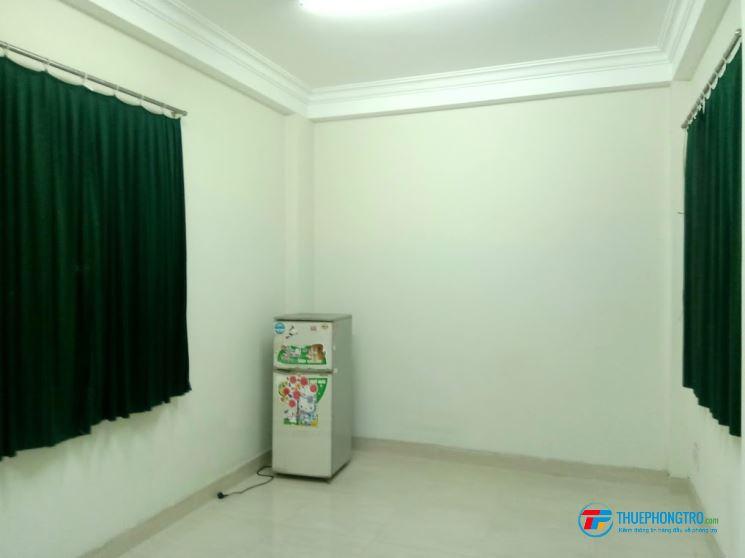 Phòng trọ đẹp giá rẻ 20m2 Quận 3 gần công viên Lê thị Riêng