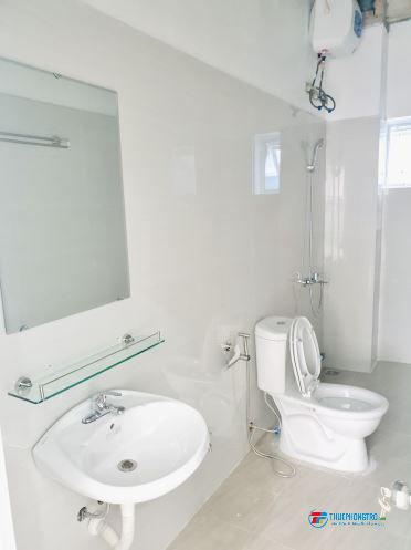 Cho thuê căn hộ 30m ngõ 387 Vũ Tông Phan nhà liền kề mới xây